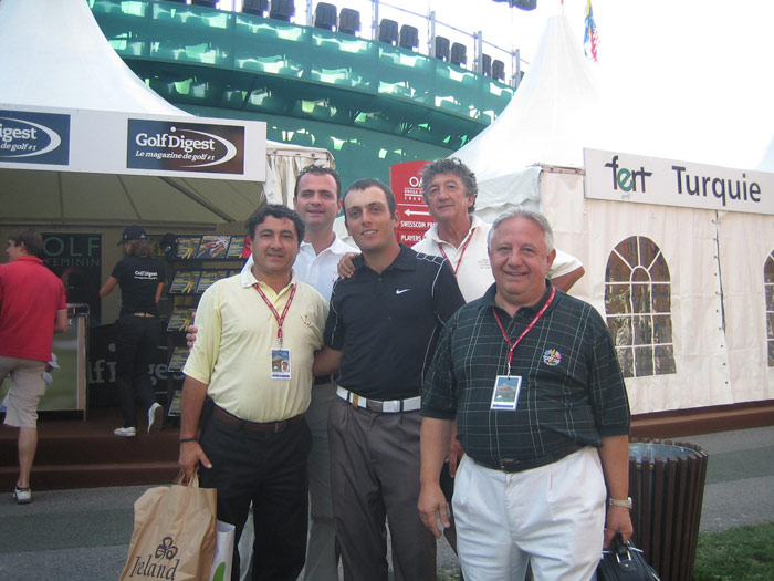 At the Omega Masters 2006 in Crans Montana Francesco Molinari poses with the spanish mob.